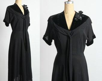 SALE 1930s Dress w. Sequin Corsage. Black LBD