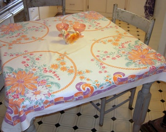 Vintage Tablecloth Baskets of Daisies & Lily of the Valley