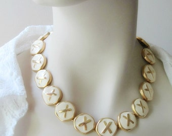 x x x kisses gold and white enamel link necklace 18 inch costume jewelry