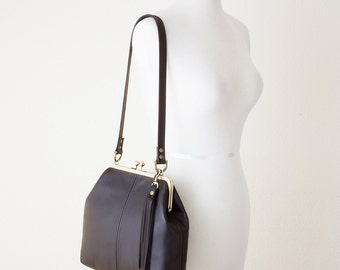 Brown Leather Kiss Lock Bag, Shoulder Bag with Tassel Purse Charm, Leather Frame Purse, Retro Style Handbag, Leather Kiss Lock Frame Handbag
