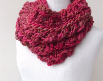 Chunky Cowl Scarf - Chunky Knit scarf - Pink circle scarf - Infinity scarf in pink