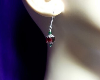 Red and Green Christmas Crystal Drop Earrings, Valentines Mothers Day Gift, Mom Sister Grandmother Bridesmaid Jewelry Gift, Pretty, Simple