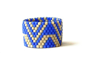 Beaded ring - beadwork jewelry - peyote ring - beadwoven ring