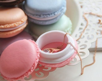 Pastel coloured macaroon style plastic jewellery boxes/ wedding favours/ display macaroons
