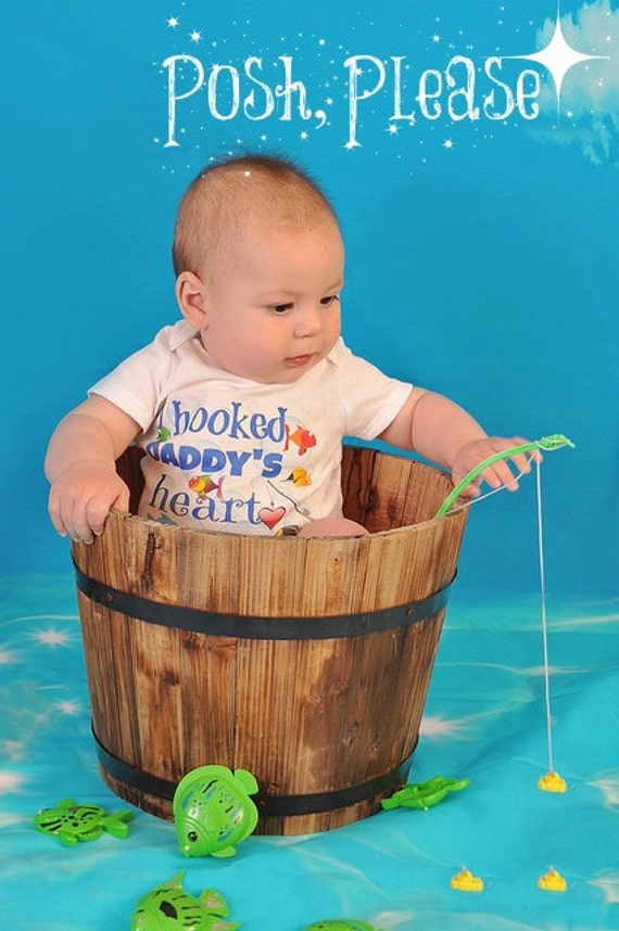 I hooked daddy 39 s heart newborn outfit fishing outfit baby for Baby fishing outfit