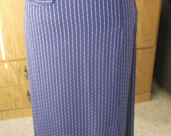 Vintage 1950s Skirt - Navy Blue Wiggle Pencil Skirt White Pin Stripe with Pocket - Rockabilly - XS/S