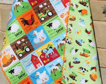 Farm Quilt, Bright Unisex, Tractor Blanket Cows Horses Barn Animals, Country Life, Gender Neutral, Boy or Girl Bedding, Toddler Bed Quilt