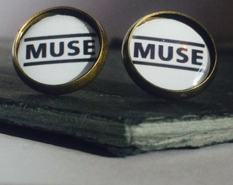 MUSE - On White