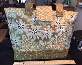 Flowered, Green,  Large purse , tote, , bag,with pockets galore!