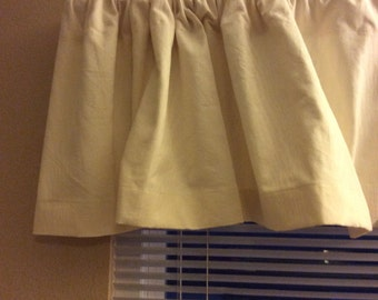 "Handmade Lovely Cream Natural Linen Window Valance.  52"" x 16""  It Has a 3"" Rod Pocket ,  2"" Bottom Hem."