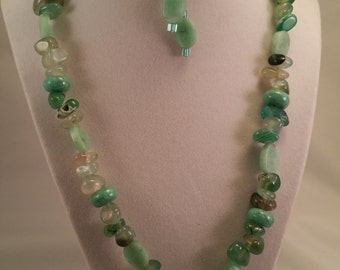 Light Green Polished Stone Necklace and Earring Set