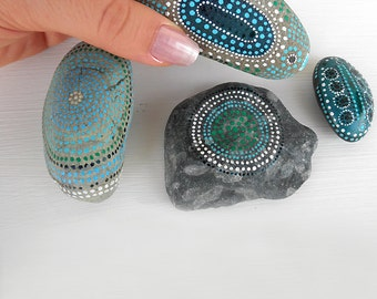 algae color hand painted stones - home decor - gift ideas
