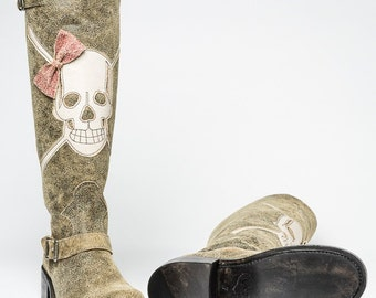 Minnie -Distressed Leather Boot with Skull and Buckles