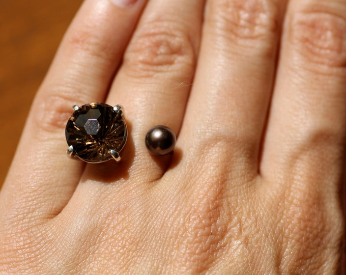 Gold ring with Smoky Quartz and pearl Quartz ring Pearl ring Natural stone Engagement ring Brown stone ring Open ring