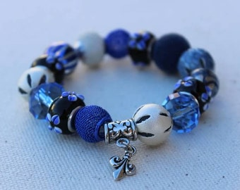 Beaded Stretch Stackable Bracelet with Dangling Fleur-De-Lis Charm - FREE SHIPPING in the U.S.