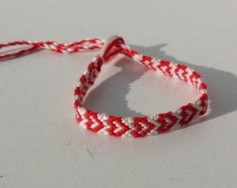 Heart friendship bracelet, knotted