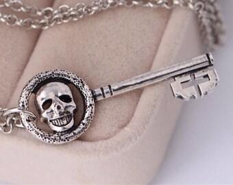 Once Upon A Time Regina Mills Evil Queen Skeleton Key Necklace