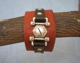 Brown/black Hex cuff