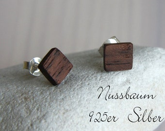 Vkt studs in walnut. / 925 Silver