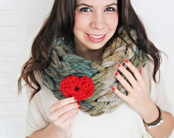 SALE! Super Chunky Infinity Scarf, Oversize Scarf, cowl, hand knit. Bonus red crochet heart!