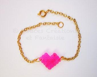 Heart kawaii bracelet jewelry fuchsia gold, perler hama bead, cute pixel art 8bit, female adolescent child, hand-made