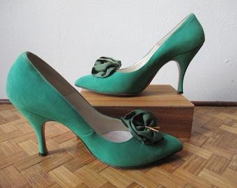 Vintage 1960's Shoes / Suede Emerald Green Stilettos / Size 6