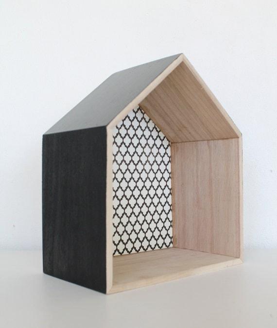 Items op etsy die op houten deco huisje zwart wit patroon lijken - Deco grijze muur ...