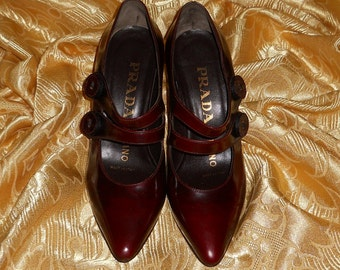 Genuine vintage Prada shoes / genuine leather