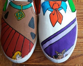 Scooby Doo painted shoes!