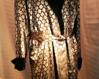 Men housecoat from 1920' great prop for Movie makers ,very rare ,