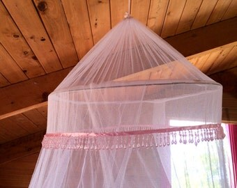White Mosquito net / bed canopy with a gorgeous pink beaded trim single/double with hook