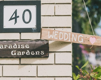 Wedding Sign. Arrow
