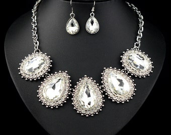 2015 Woman Fashion Vintage stlye Crystal Necklace Earring Set SZ0052