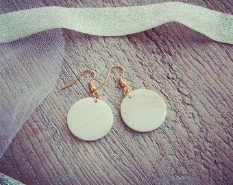 Back To Basics collection - Earrings gold and mother of Pearl