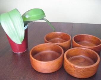 Vintage Teak Salad Bowls (Set of 4) Goodwood Genuine Teak Thailand