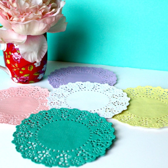 colored paper doilies Gold doilies and white paper doilies add the right amount of glamour to any table spread napkinscom is where to buy lace doilies, party supplies & more.