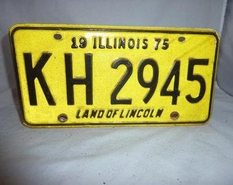Vintage 1975 Illinois License Plate