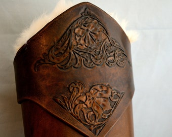 Aged Leather Arrow Quiver