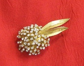 DYNAMIC bsk CLUSTER of CRYSTAL nouveau flower haute fashion pin brooch