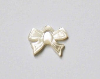 Mother of pearl knott charm