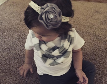 Toddler grey and white infinity scarf