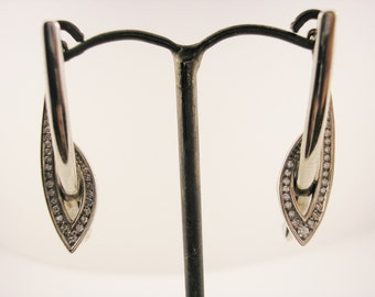 18ct White Gold Drop Shape Earrings