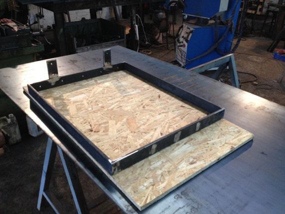 2 pieds de table en fer plat hauteur 70 cms. Black Bedroom Furniture Sets. Home Design Ideas