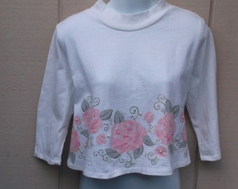 80s Vintage Cotton Knit Crop Top with Pink Rose Floral / Pearly beads and metallic sparkle / Oversized crop top tee