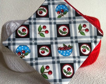 Bowl of cherries square zipper pouch