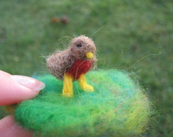 Needle Felted Standing Robin Miniature Animal