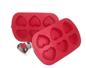 SALE | Valentine Ruffled Heart Molds and Heart Press Cookie Cutter by Wilton