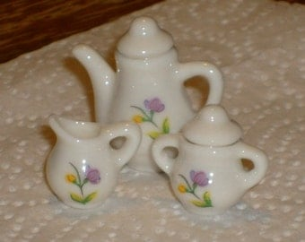 Vintage teapot with creamer and sugar bowl (doll house, collectable, home decor, crafting)
