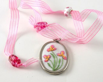 Pendant Hand Embroidered Pink Flowers with Adjustable Ribbon Mother's Day Bridesmaid