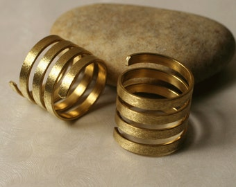 Solid brass spiral ring, one piece (item ID RBHN00484)